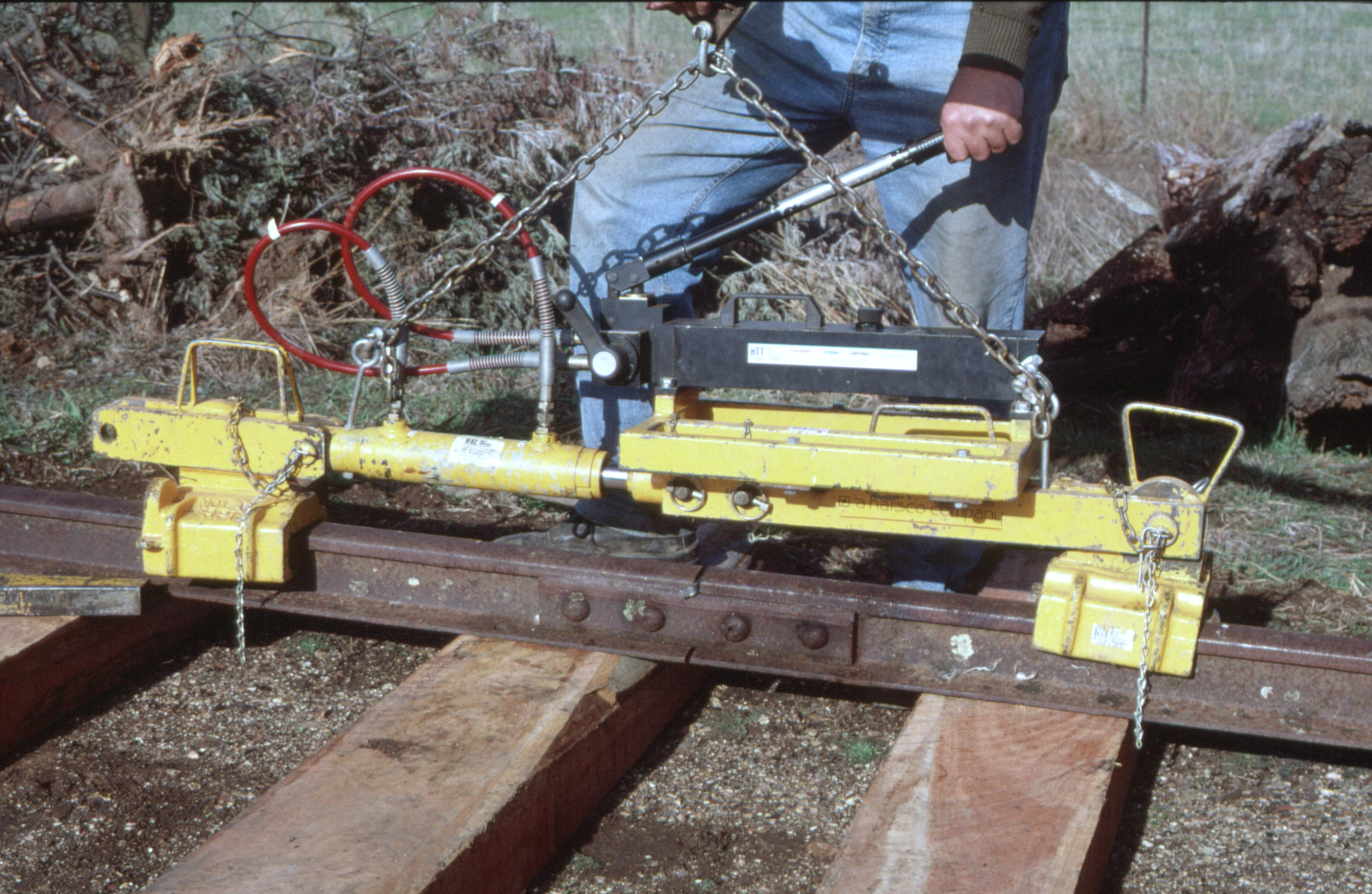 Enerpac Rail Puller : Rail pullers pictures to pin on daddy