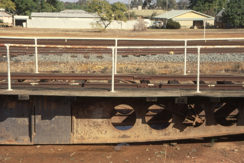 131060: Cobar Turntable